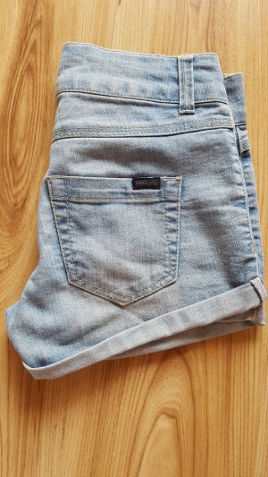 hellblaue Shorts von Only