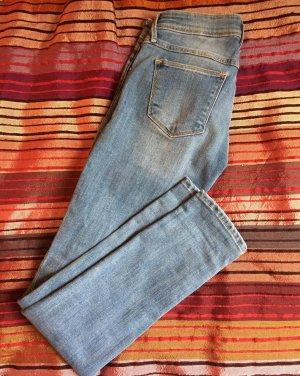 Hellblaue Skinny Jeans 25/30 low waist