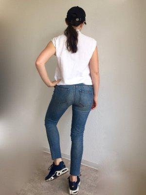 Hellblaue skinny Jeans von Maison Kitsuné