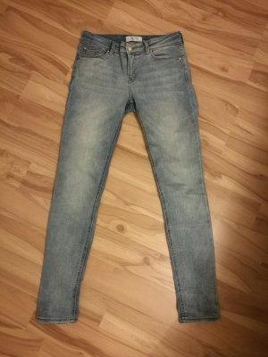 hellblaue Skinny Jeans von Mango