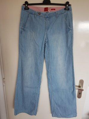 Hellblaue Sommer Jeans im Marlenestil