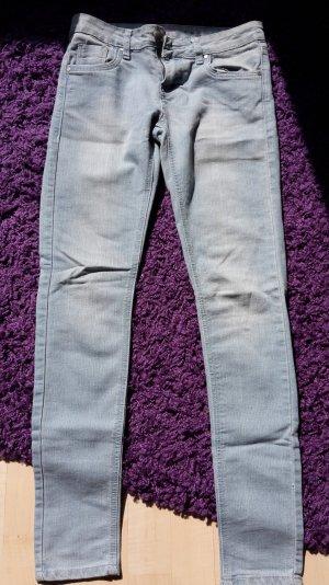 Hellblaue super Skinny-Jeans