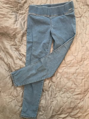 Hellblaue taschenlose taillenhohe Jeans