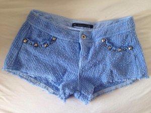 Hellblaue Zara Hot-Pant mit Nieten - weicher Stoff