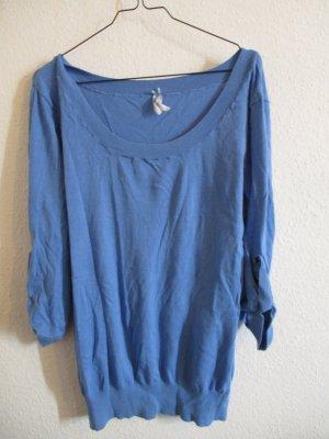Hellblauer dünner Pullover mit 3/4 Ärmeln