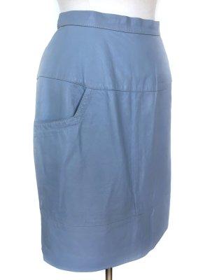 Hellblauer Lederrock mit Taschen