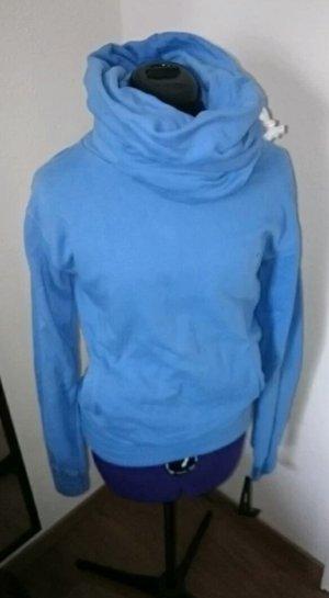 Hellblauer Sweater / lola fred