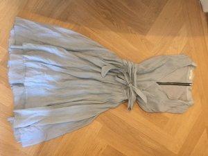 Hellblaues festliches Sommerkleid