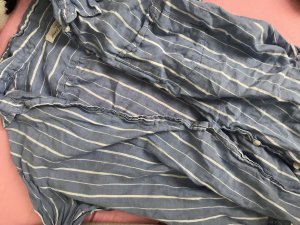 hellblaues hemd