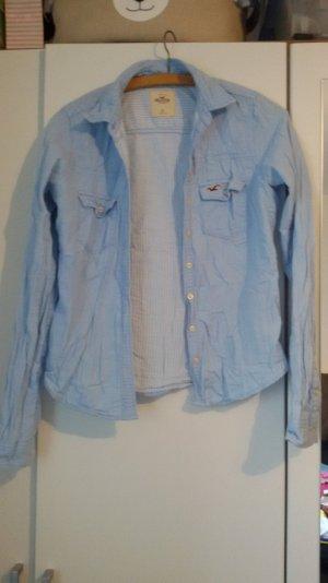 Hellblaues Hemd von Hollister