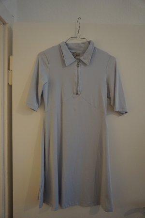 hellblaues Hemdblusenkleid mit Reißverschluss