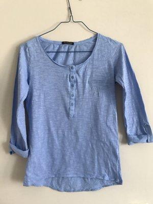 Hellblaues Henley-Shirt von Massimo Dutti