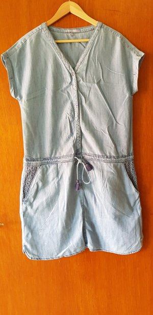 Hellblaues Jeanskleid von CECIL