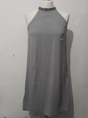 Hellblaues Kleid mit Perlen NEU