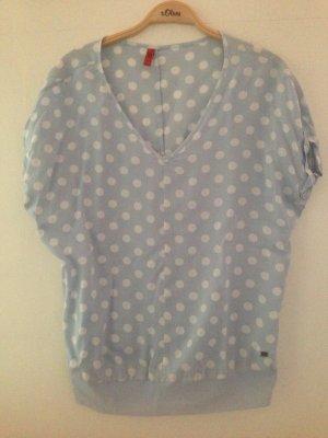 Hellblaues leichtes Sommer Shirt mit Punkten
