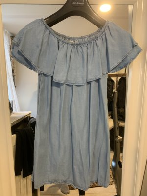 Hellblaues Off-shoulder Kleid von Zara