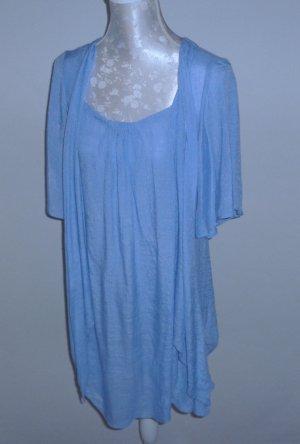Hellblaues Sommerkleid mit Flügelärmeln