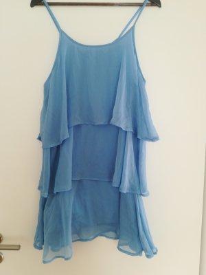 Hellblaues Volant-Kleid