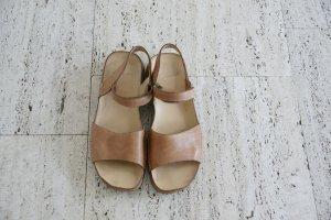Hellbraune Sandalen, sehr guter Zustand