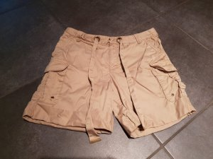 Hellbraune Shorts