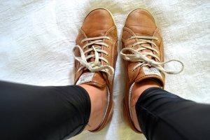 Hellbraune Sneaker von Sansibar