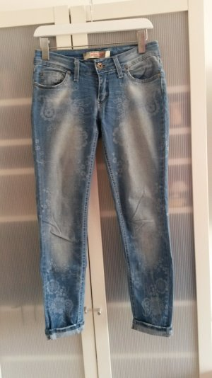 Helle 7/8 Jeans mit Paisleymuster Gr. 38