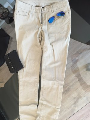 Helle Creme nude farbene Jeans