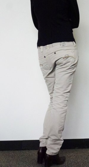 Helle G-Star Jeans / legere Röhrenjeans Gr. 27/32