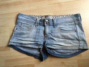 Helle Jeansshorts von Mango