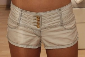 helle, kurze Jeansshorts von Tally Weijl