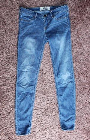 Hollister Pantalone a sigaretta blu neon-blu scuro