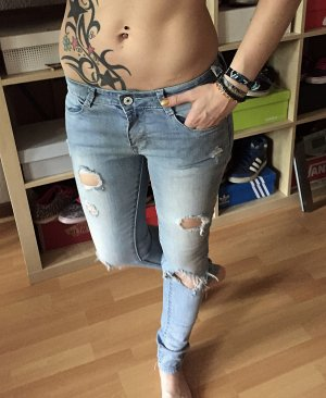 Helle Röhrenjeans ripped Jeans cut-out S