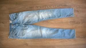 Helle Slim-Jeans mit normaler Bundhöhe