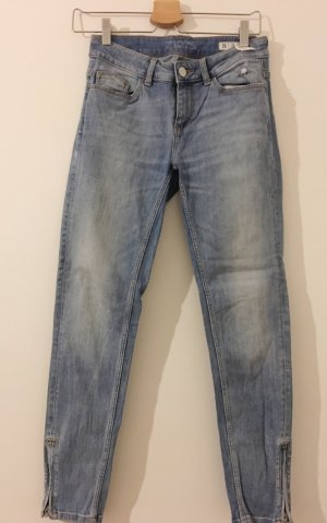 Helle Zara Jeans mit Reißverschlüssen