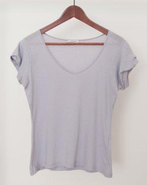 Helles grau-blaues T-Shirt