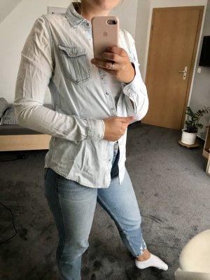 Pull & Bear Camisa vaquera gris claro