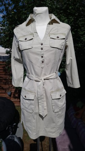 Helles Northland Blusenkleid im Uniformstil