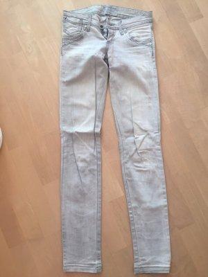 Hellgraue Jeans