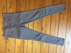 H&M Pantalón de pinza alto gris claro
