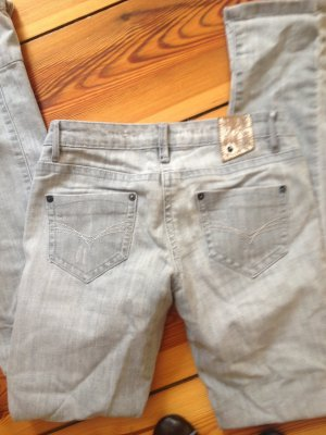 Hellgraue Jeans Gr. 26 // Skinny Jeans // Gr. 36 // Grey