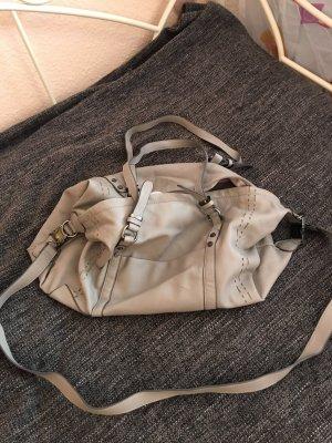 Hellgraue, leichte und weiche Handtasche