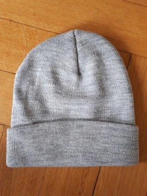hellgraue Mütze