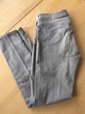 Hellgraue schmale Jeans von H&M