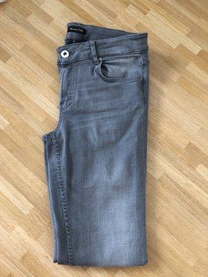 Hellgraue skinny Jeans 36
