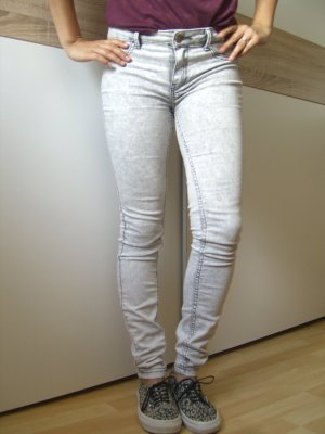 hellgraue stonewashed Zara Jeggings Gr.34