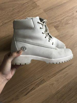 Hellgraue Timberland Boots