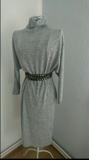 Hellgraues langes Kleid von New Look