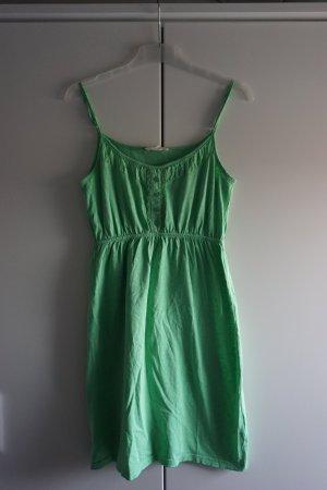 Hellgrünes Sommerkleid von Pier One