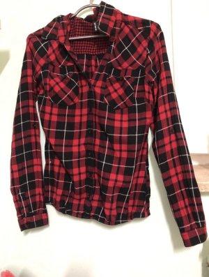 Chemise de bûcheron noir-rouge carmin