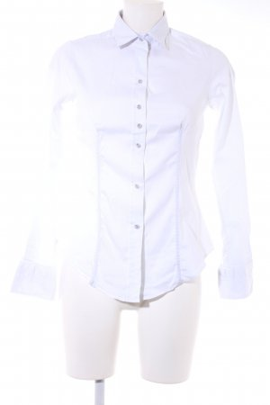 Blusa-camisa blanco estampado floral look casual